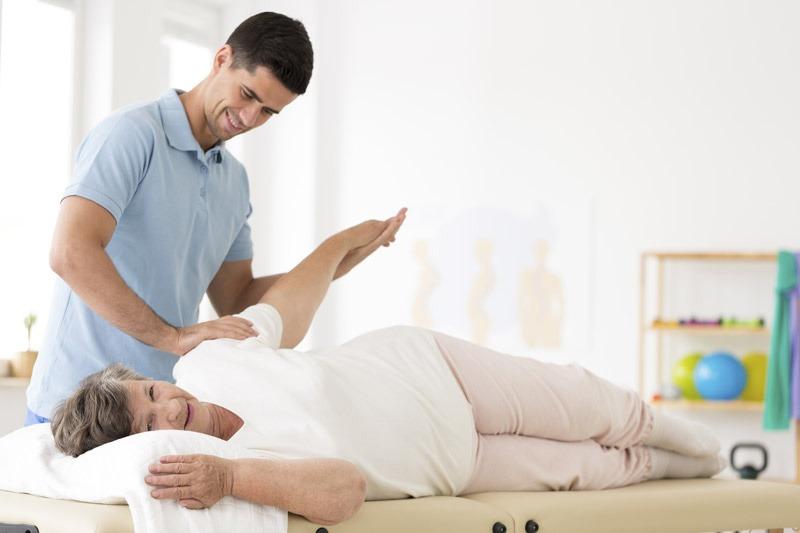 Osteopatia per la terza età, una scelta con tanti benefici